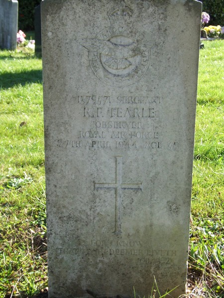 Reginald Frank Tearle CWGC headstone Watford North Cemetery