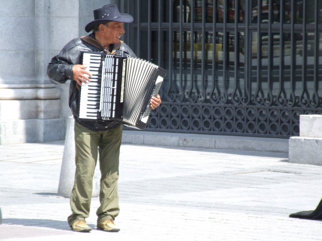 Busker on Plaza de Oriente.