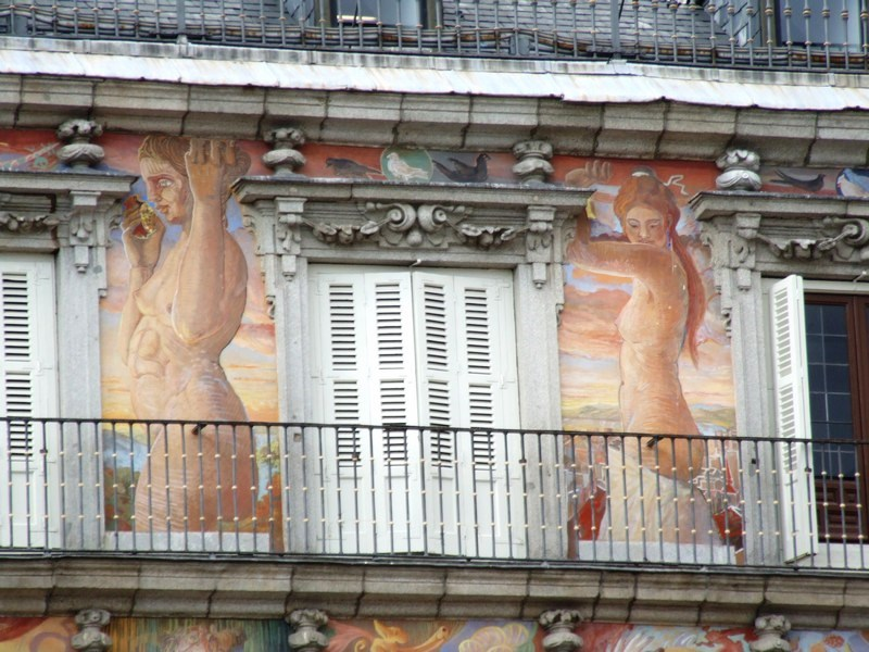 Paintings on Casa de la Panaderia in Plaza Mayor