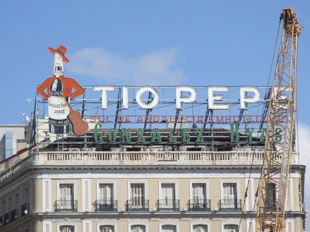 Tio Pepe sign Puerto del Sol