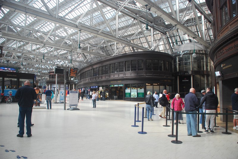 The impressive Victorial interior of Glasgow Central Station