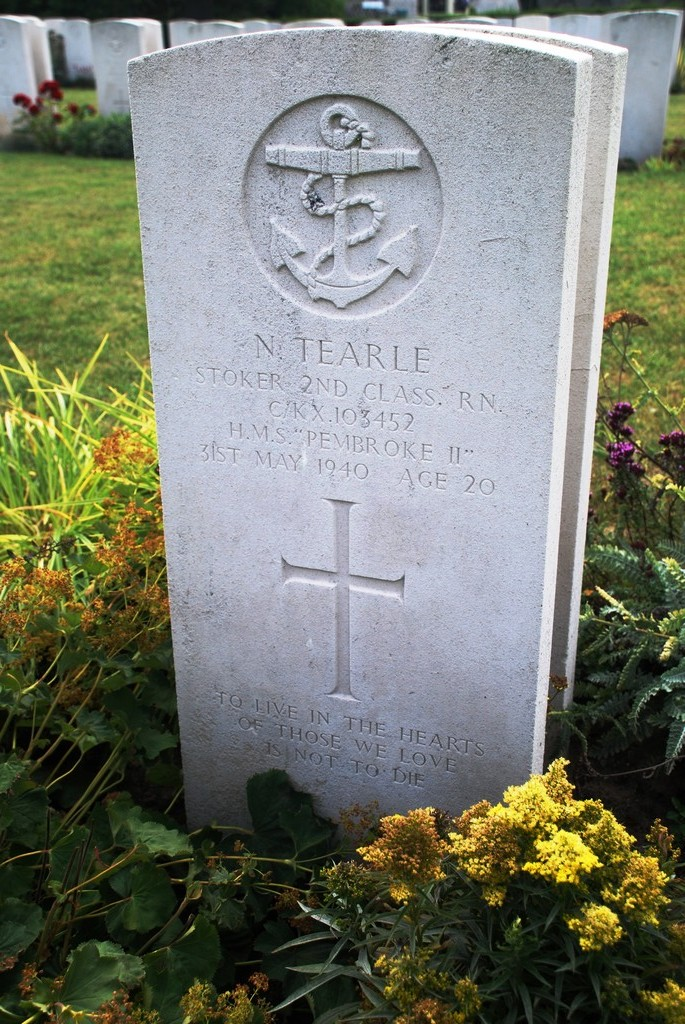 Norman Tearle C-KX 103452 Oostende New Communal Cemetery