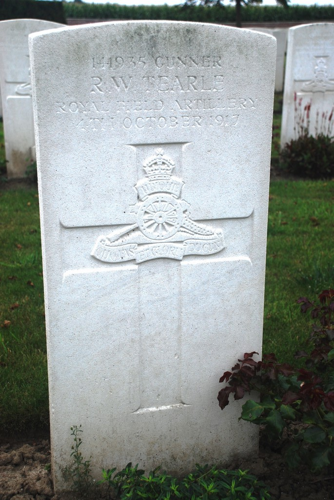 Ronald William Tearle 141935 The Huts Cem Dikkebus Ieper Ypres