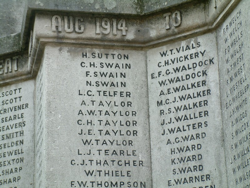 LJ Tearle on the St Albans War Memorial. Leslie James Tearle