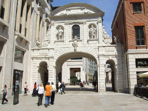 Walk down Newgate Street from Holborn Viaduct and near the end turn right into Rose alley, which empties into Paternoster Square. Walk past the London Stock Exchange, through the archway to St Pauls and then look behind you. That is Temple Bar. I think the room at the top was the gate house.