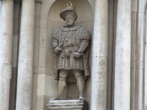 Henry VIII outside St Bartholomew the Less