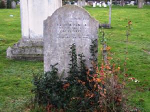 Susanna Tearle, 1827 Dagnall headstone in Dunstable Cemetery.