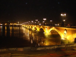 Pont de Pierre - Bordeaux stone bridge - at night