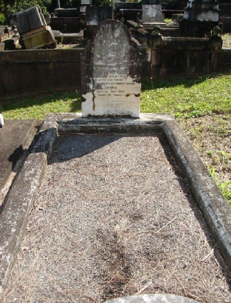 Grave in Toowong Cemetery, Brisbane