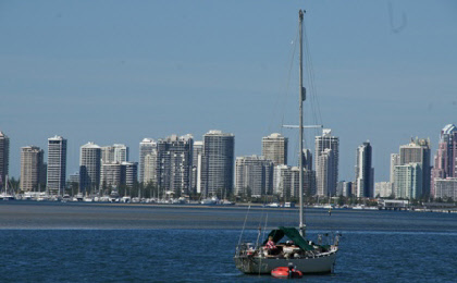 Life on the Gold Coast - boating from city to city