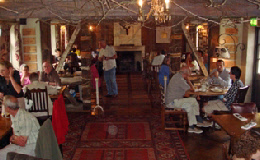 Interior of the 5 Bells at lunch