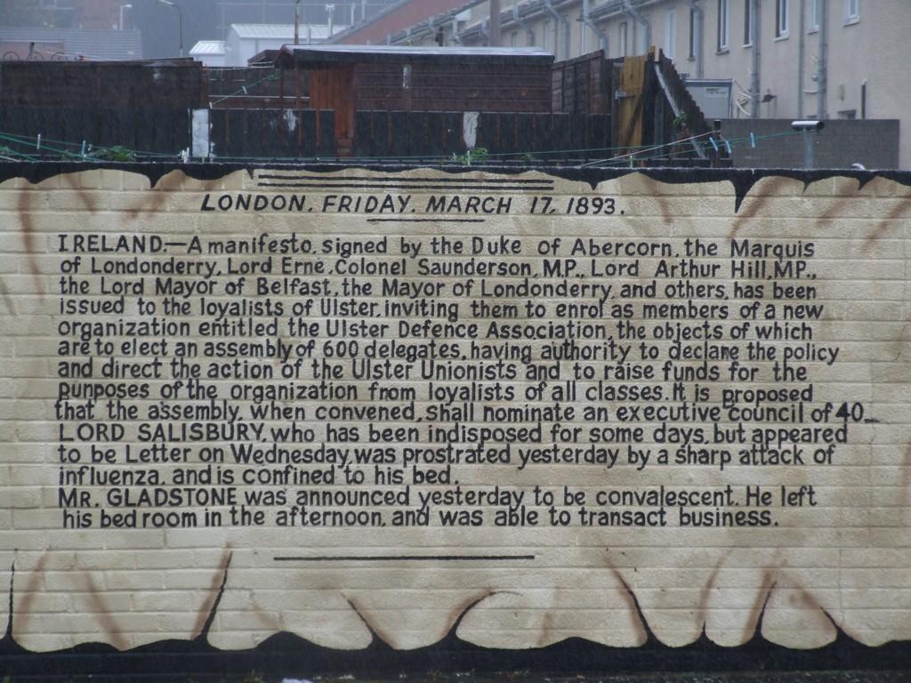 UDA manifesto mural.