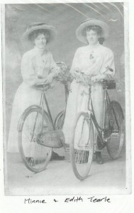 Minnie and Edith Tearle of Wing.