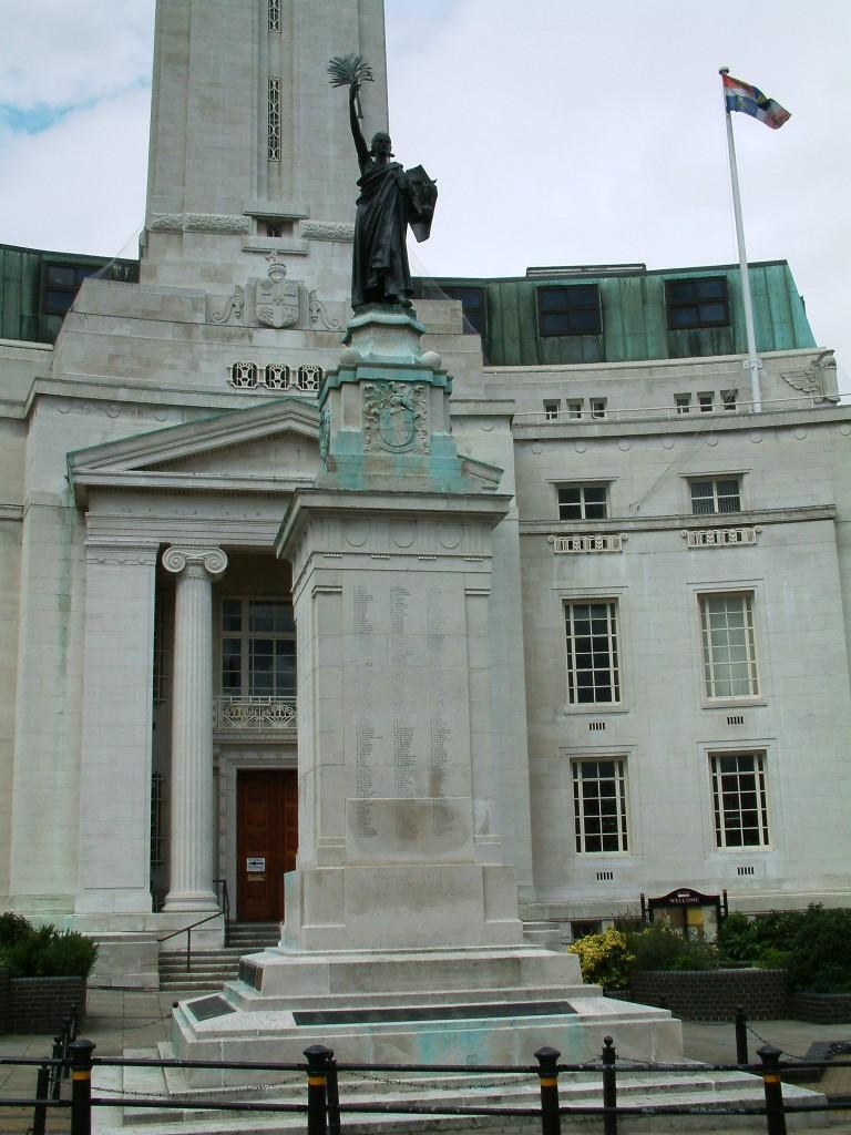 War memorial Luton
