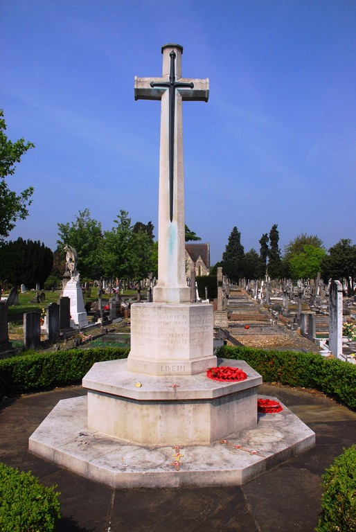 Vicarage Rd Cemetery War Memorial, Watford.