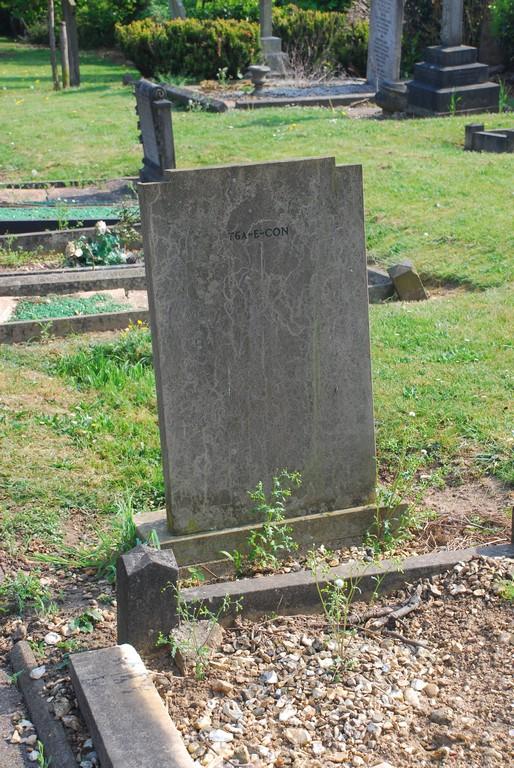 E-CON76a grave for Sarah Ann 1851 Elizabeth Amelia 1821 George 1818 Jabez 1844 Lucy 1857 reused