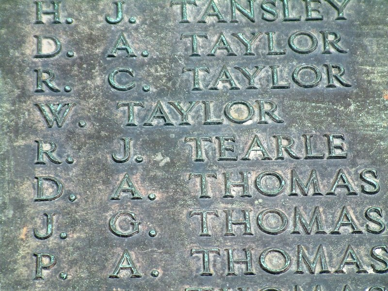 WW2 names War Memorial Luton RJ Tearle