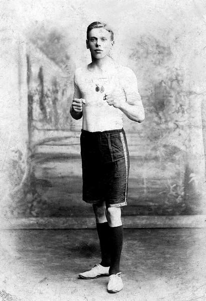 03 Charles EW, a boxer
