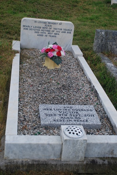 Grave of Joan and Victor Tearle